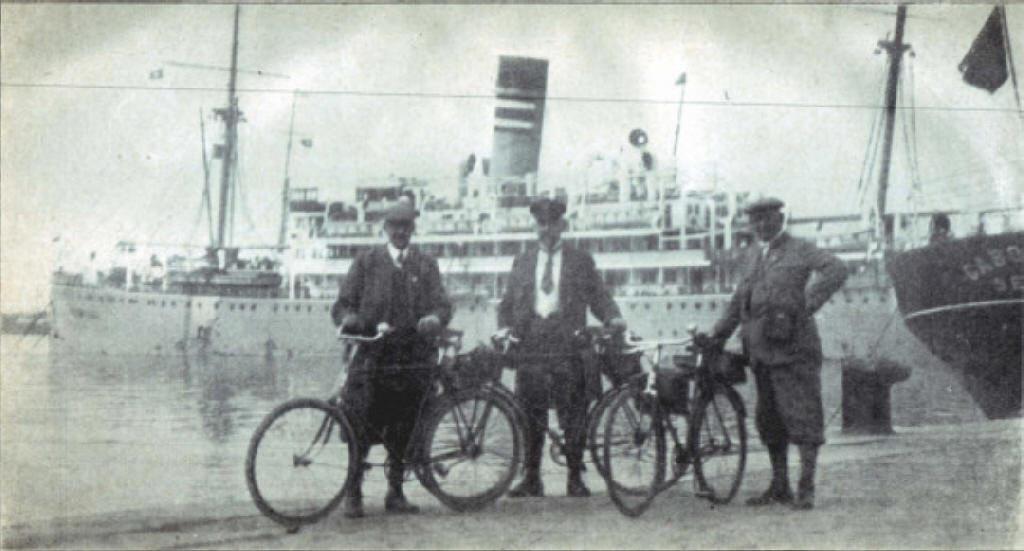 Gregers Nissen (rechts) 1928 in Spanien